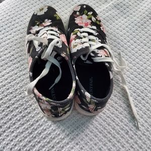Just Fab black floral sneakers